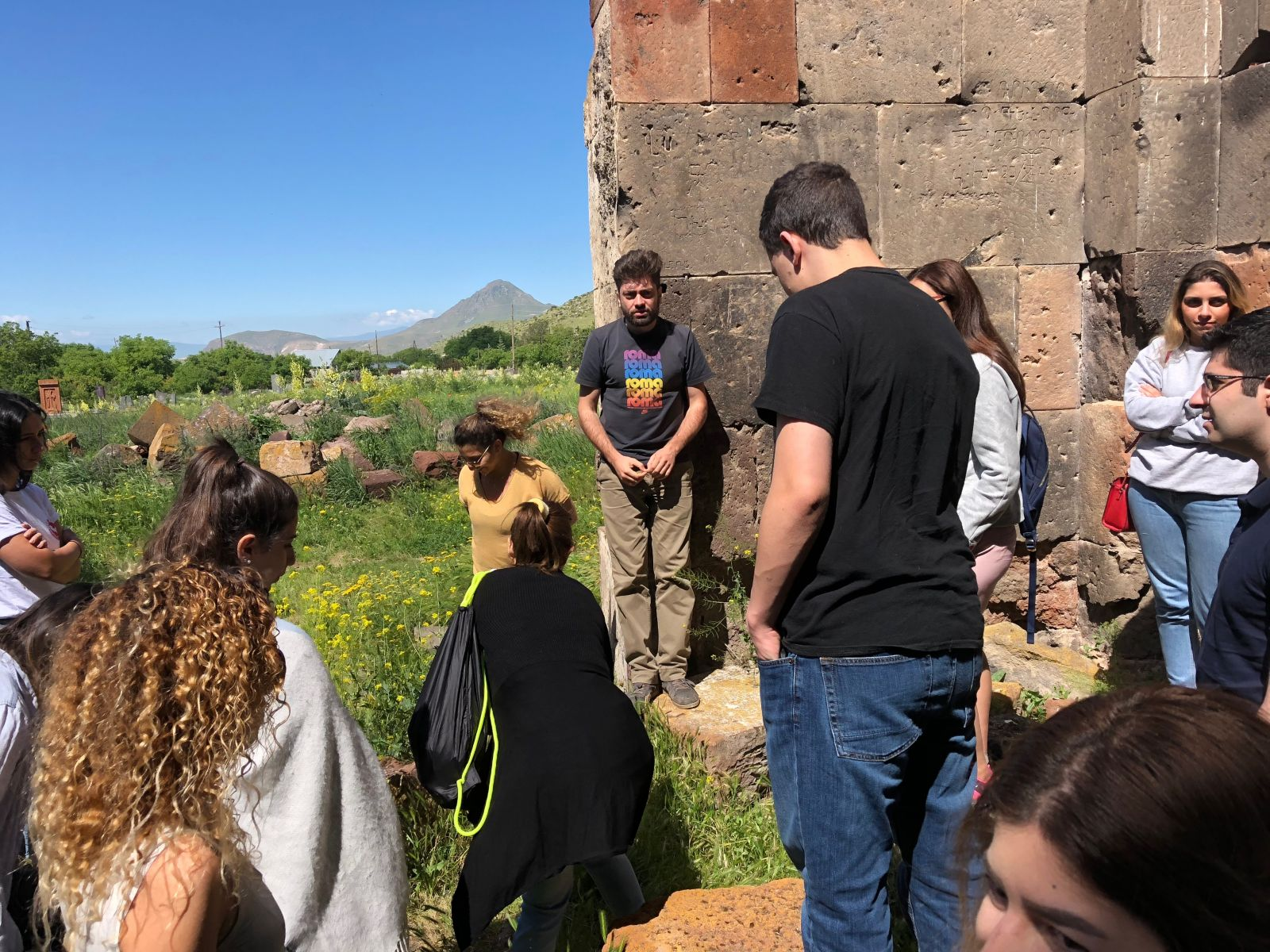 Birthright Armenia volunteers listen to a local guide's lowdown on the Talin region (Photo: Lilly Torosyan)